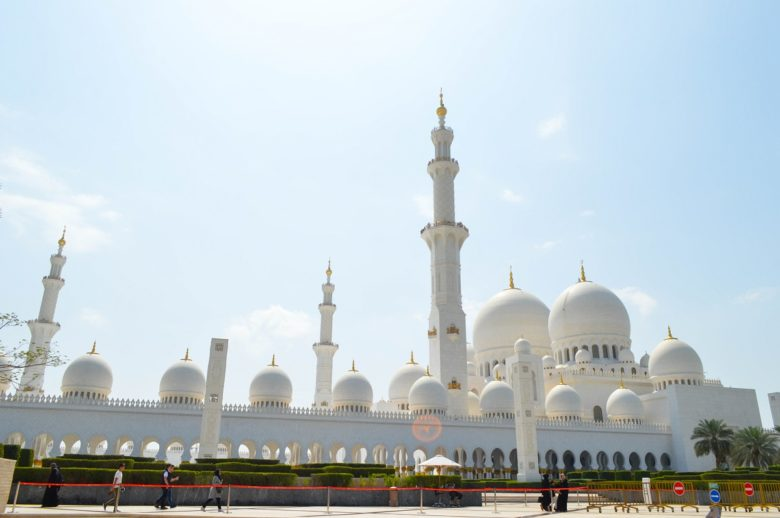 sheikh-zayed-mosque-facts