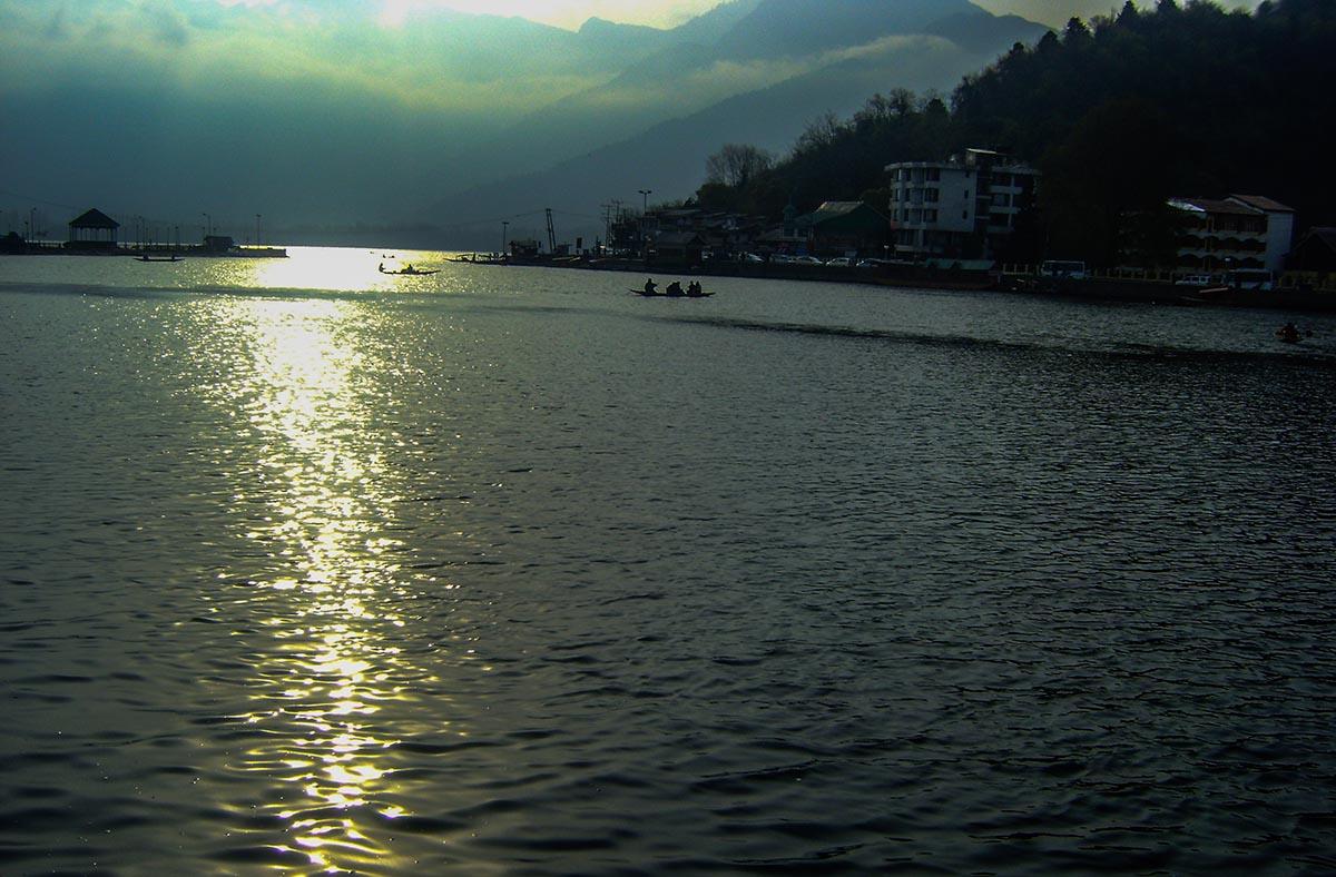 sunrise-dal-lake