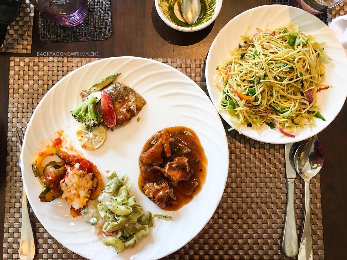 asian-food-at-silver-saloon
