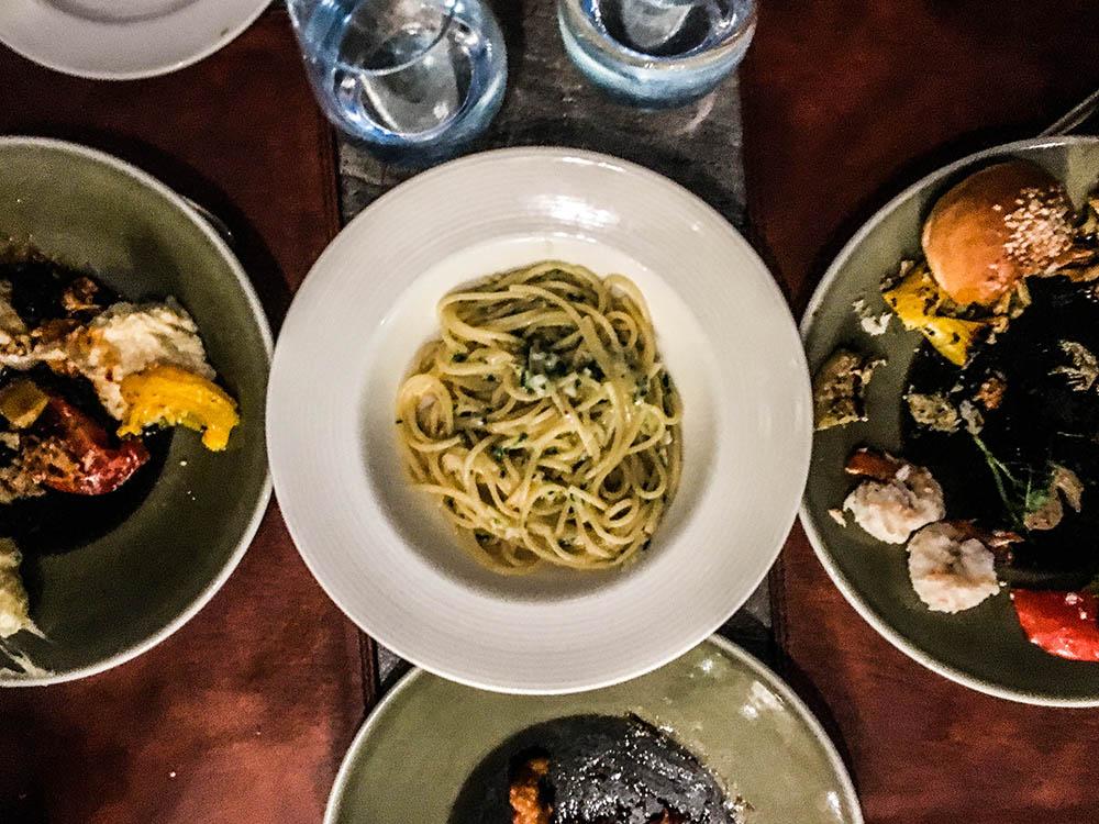 jw-kitchen-dinner
