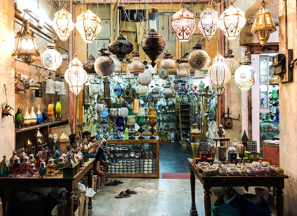 beautiful-lamps-at-jaipur-market