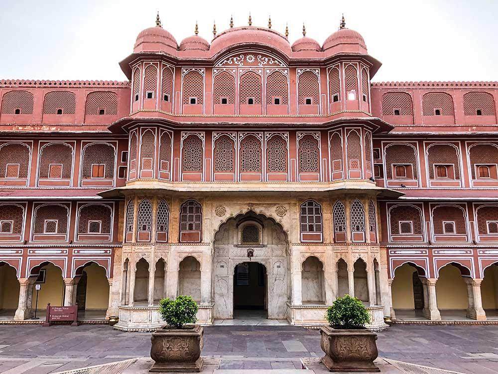 chandra-mahal-front-city-palace-jaipur